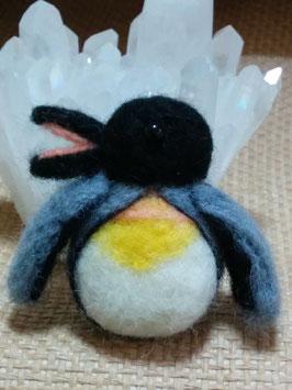 ペンギンのブローチ