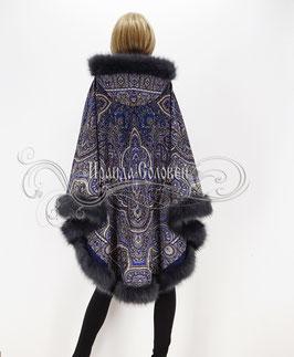 """Пальто-пончо с отстегивающимся капюшоном """"Ларец самоцветный-3"""" из павловопосадских платков"""