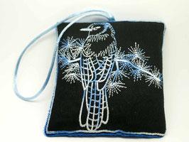 Sachet de lavande brodé, l'oiseau bleu