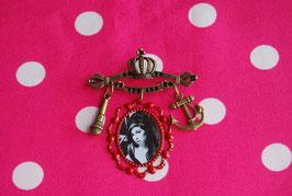 Broche Camafeo Amy Winehouse