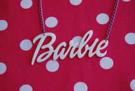 Collar Barbie