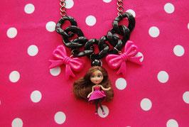 Collar Barbie Mini Doll