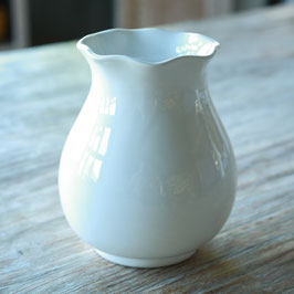 VASE W/ SCALLOPED EDGE CM. 11,5