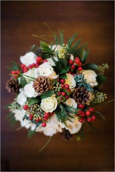 Bouquet d'inverno sui toni del bianco