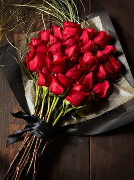 Red roses high bouquet