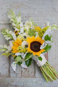 Mazzo di girasoli e fiori misti
