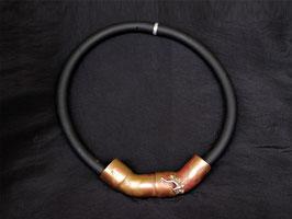 Kupfer-Collier mit Silberfigur