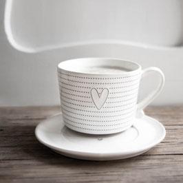 Cappuccino Tasse Herz mit vielen Herzen