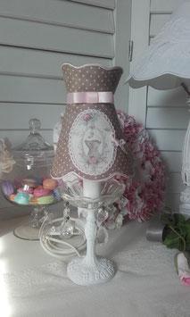 """VENDU - Commande d'un abat-jour à collerette en coton chocolat à plumetis et médaillon """"corset ancien"""""""