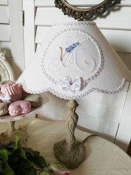 Abat-jour en lin blanc - médaillon monogramme lavande - Ref AJLav