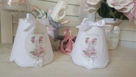 Abat-jour shabby chic à bordure Empire en lin blanc - Médaillon tissu corset rétro (Ref AJL2)