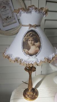 Abat-jour frou-frou à collerette - modèle simple accolade -  portrait petite fille d'antan (Ref ACOLL1)