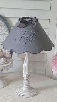 VENDU  - Abat-jour festonné en linge ancien gris anthracite et monogramme LS