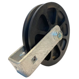 Umlenkrolle Ø 100 mm für Seile bis Ø 9 mm, mit doppeltem Kugellager und verschraubtem Haltebügel