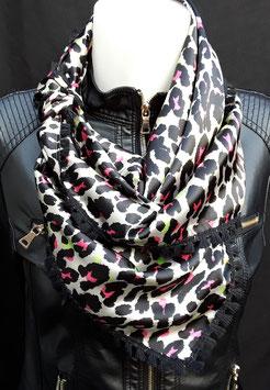 10. Tijgerprint met roze en zwarte franje