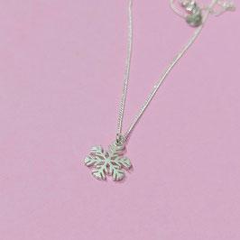 Silberkette mit Schneeflocke