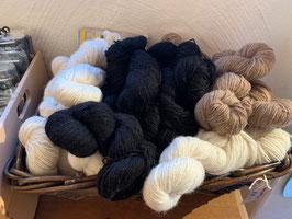 Alpaka Wolle von unseren eigenen Tieren