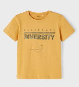 Shirt - kurzarm - DIVERSITY - Spruce gelb - Biobaumwolle - NAME IT KIDS JUNGEN