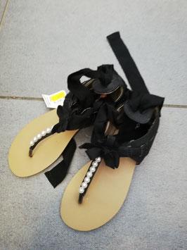 Schuhe - Sandale schwarz - lässig mit Bänder  zum Hochschnüren