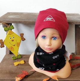 Kopfbedeckung - Beanie rot mit Eisbär - NAME IT