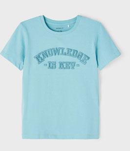 """Shirt - kurzarm - """"WISSEN IST DER SCHLÜSSEL"""" - aqua - - Biobaumwolle - NAME IT KIDS JUNGEN"""