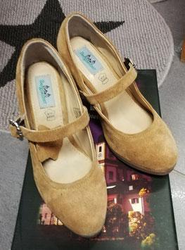 Schuhe - Tracht - Trachtenschuh für Dame hell Burgi