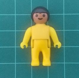 PLAY.T61.B612.1370 Bebe pelo negro piel mestizo traje amarillo