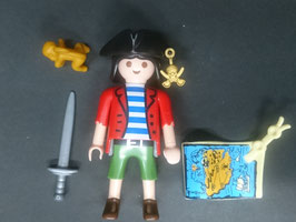 PLAY.FIG09.B56.00 FIGURA PIRATA C/ ARMAS