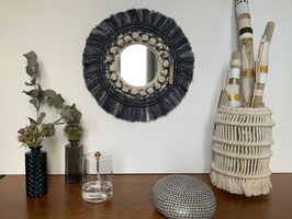 Miroir rond en macramé PALOMA BLACK AND WHITE .