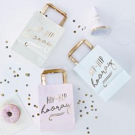 5 sacs à cadeaux invités pastels écriture dorée Hip Hip Hooray