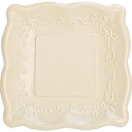 8 petites assiettes carrées dessin en relief ivoires