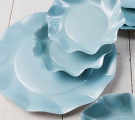 """10 grandes assiettes  """"pétales""""bleu ciel satiné 27 cms"""