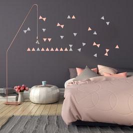 Stickers muraux triangles argent et rose Pom le bonhomme