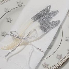 10 plumes blanches avec paillettes argent pour décoration table
