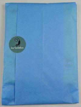 Emballage cadeau papier de soie couleur bleu ciel