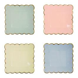 8 petites assiettes pastels bordure dorée Meri Meri