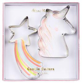 2 Emporte pièces : 1 étoile filante , 1 licorne marque meri meri