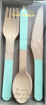 24 couverts en bois avec touche vert menthe Meri Meri