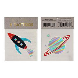 2 tatouages meri meri : 1 tattoo fusée, 1 tattoo planète