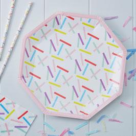 8 assiettes blanches motifs plumetis pastels
