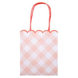 8 sacs cadeaux invités vichy rose et rose fluo meri meri