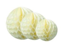 3 boules alvéolées en papier de soie ivoires 25cms/20cms/15cms