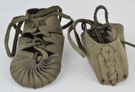chaussures bébé fille cuir lacées gris foncé