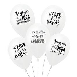 5 ballons anniversaire blancs écriture noire