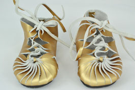 chaussures fille cuir lacées or brillant