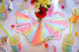 16 serviettes rayures pastels multicolores bordure frise dorée