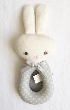 Hochet rond lapin pois gris blanc Alimrose