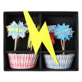 Ensemble 24 moules à gateaux et piques pour anniversaire superhero Meri Meri