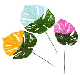 3 grandes feuilles tropicales avec touche de couleur