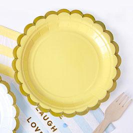 6 petites assiettes jaune pastel bordure dorée 18 cms